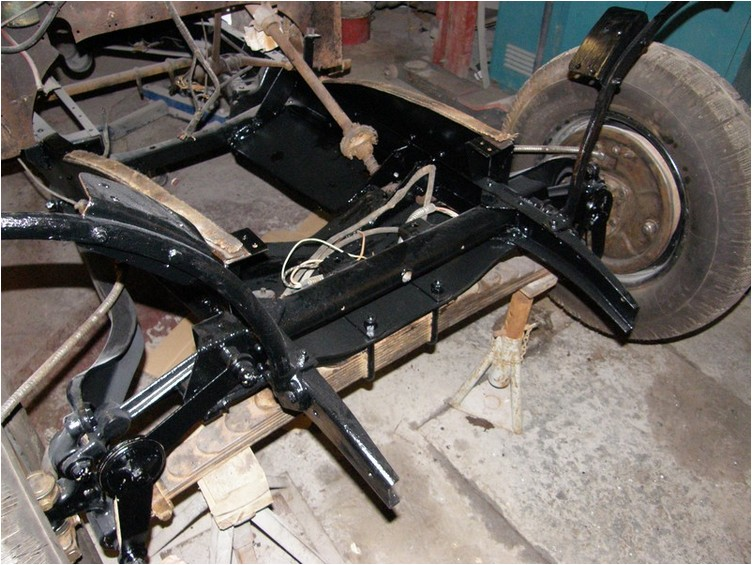 http://sylvain.viau.free.fr/Automobile/Chenard/Aiglon-99.jpg